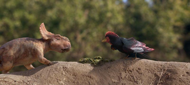 A spasso con i dinosauri: una tenera immagine di amicizia tratta dal film