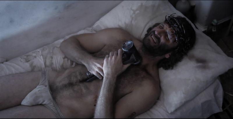 Red Krokodil: Brock Madson in una blasfema scena del film