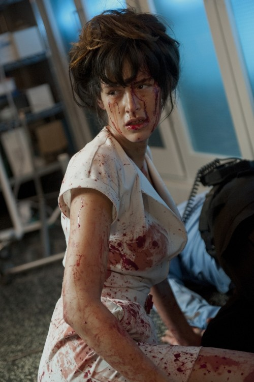 The Nurse 3D: Paz de la Huerta insanguinata in una scena del film