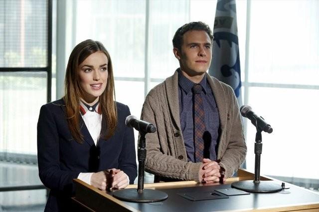 Agents of S.H.I.E.L.D.: Iain De Caestecker ed Elizabeth Henstridge nell'episodio Seeds