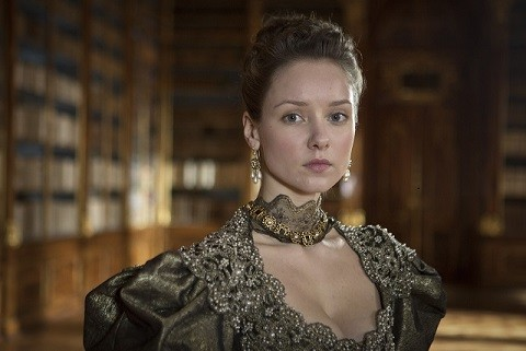 The Musketeers: Alexandra Dowling in un'immagine del primo episodio della serie