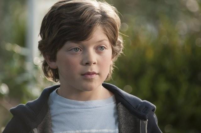 Growing Up Fisher: Eli Baker in una scena della serie