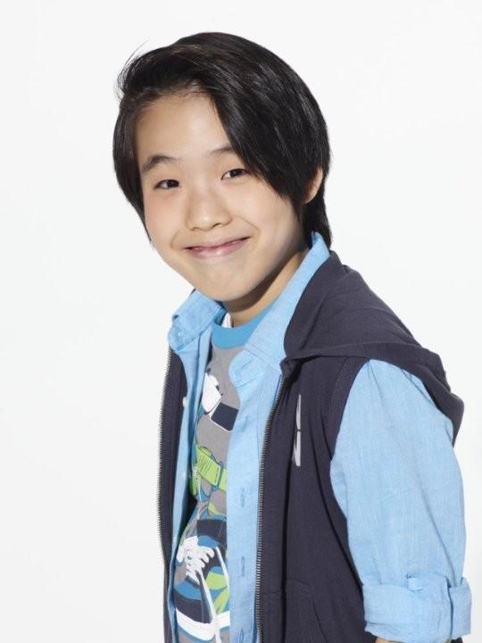 Growing Up Fisher: Lance Lim in una foto promozionale della serie