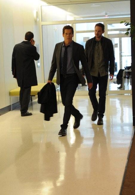 The Following: Kevin Bacon, Shawn Ashmore in una scena dell'episodio Resurrection