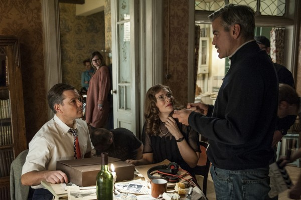 The Monuments Men: George Clooney spiega una scena a Matt Damon e Cate Blanchett