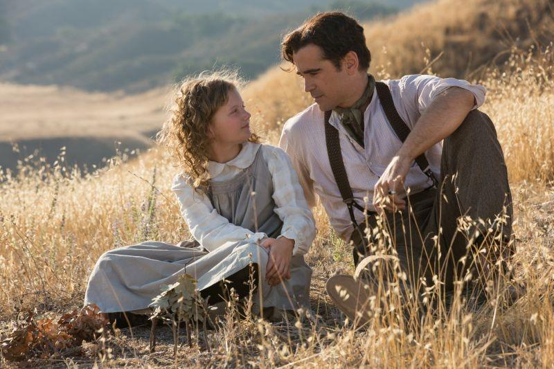 Saving Mr. Banks: Colin Farrell in una scena familiare del film con la piccola Annie Rose Buckley