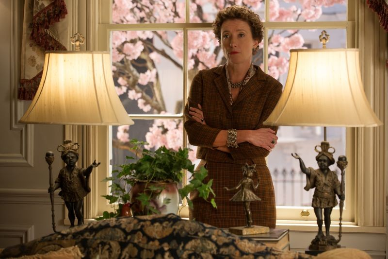 Saving Mr. Banks: Emma Thompson nei panni della scrittrice Pamela Lyndon Travers in una scena
