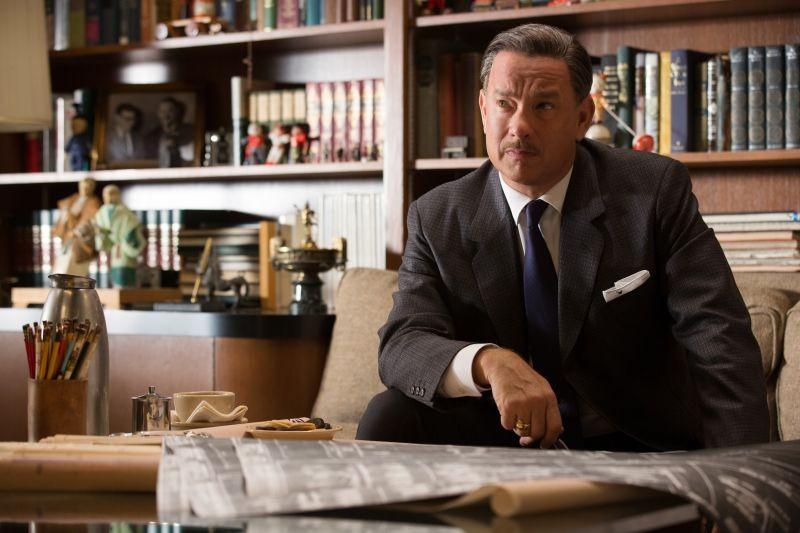 Saving Mr. Banks: Tom Hanks interpreta Walt Disney in una scena del film
