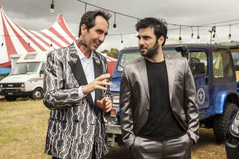 Smetto quando voglio: Paolo Calabresi ed Edoardo Leo in una scena del film