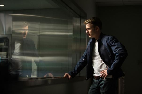 Captain America: The Winter Soldier: Chris Evans allo specchio