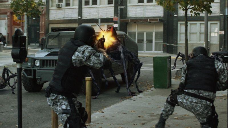 Spiders 3D: l'Esercito in difesa della città di New York dai ragni giganti alieni