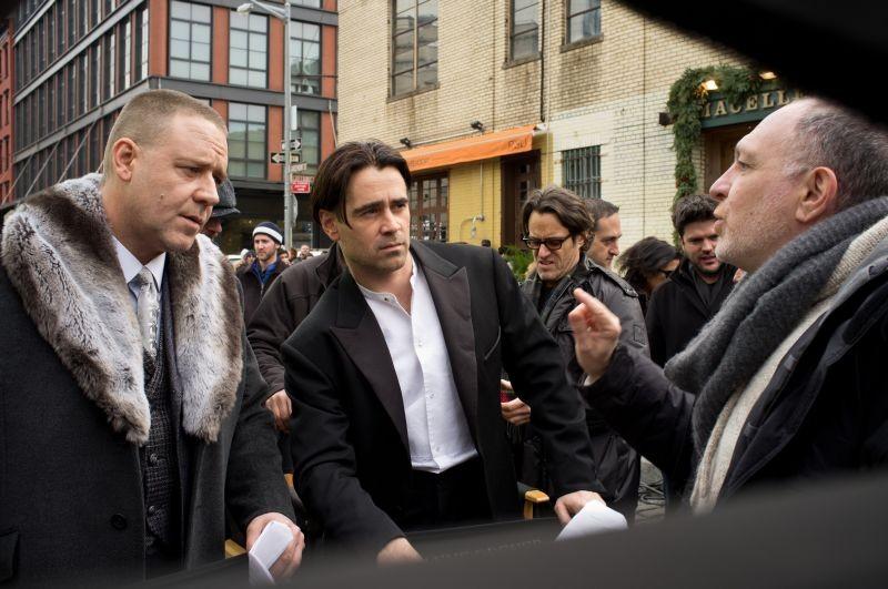 Storia d'inverno: il regista del film Akiva Goldsman sul set con Colin Farrell e Russell Crowe
