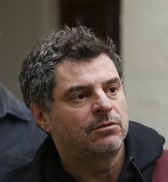 In the courtyard: il regista Pierre Salvadori in una foto promozionale