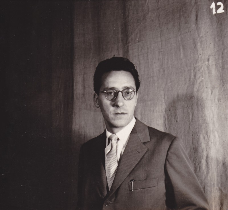 Enzo Ceragioli in sala d'incisione