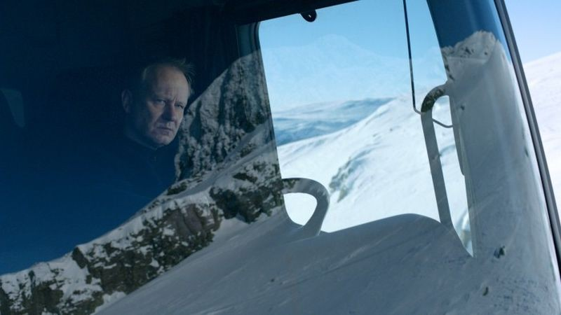 In Order of Disappearance: Stellan Skarsgård in una scena