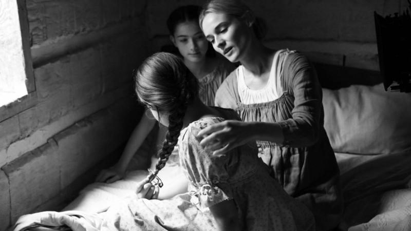 The Better Angels: Diane Kruger in una scena con Madison Stiltner e Lola Cook