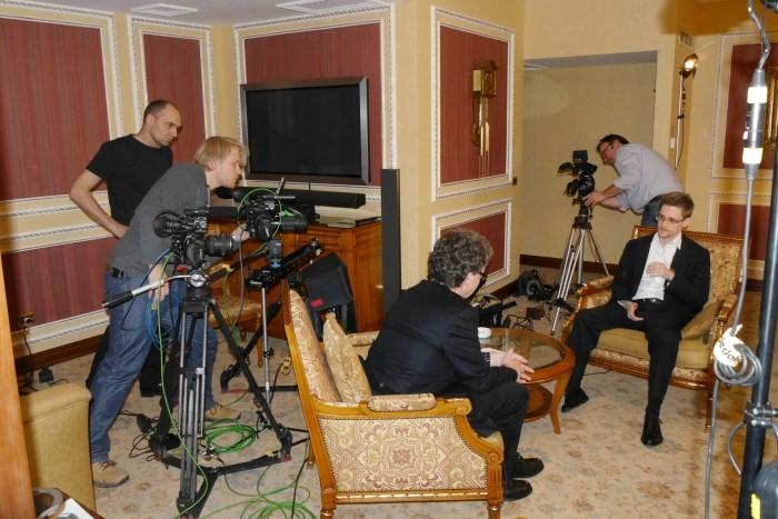 Edward Snowden - Das Interview: Hubert Seipel sul set del documentario con Edward Snowden