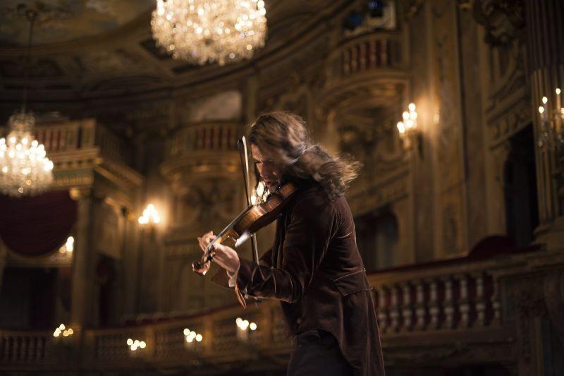 Il violinista del diavolo: David Garrett nei panni di Niccolò Paganini in una scena del film