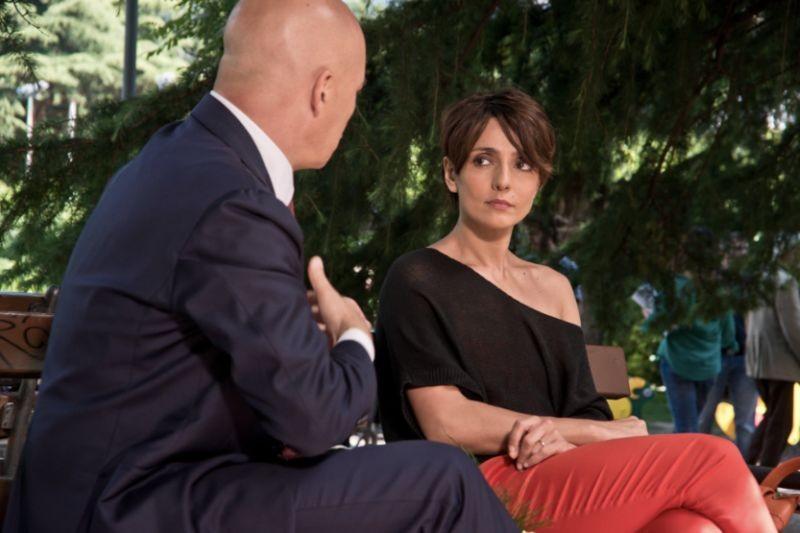 Maldamore: Ambra Angiolini e Luca Zingaretti discutono in una scena del film