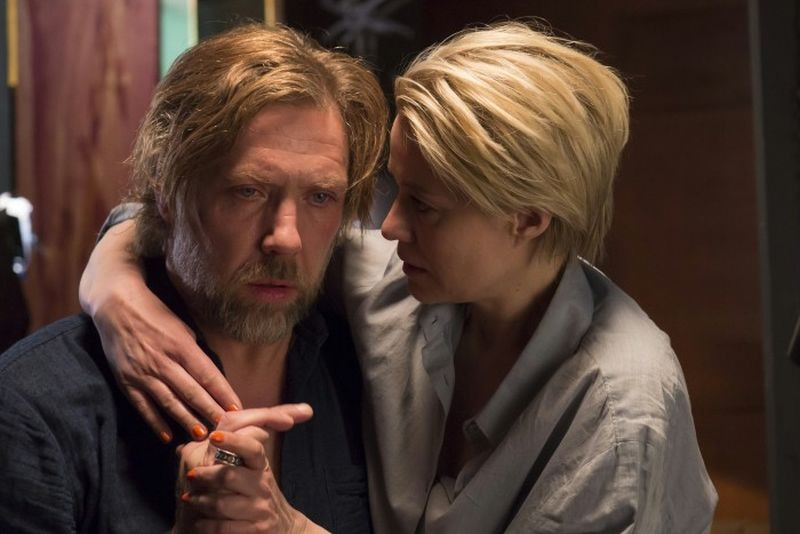 Someone You Love: Mikael Persbrandt e Trine Dyrholm in una tenera scena