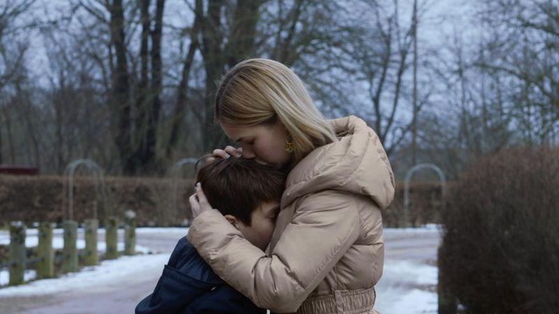 Someone You Love: Sofus Rønnov con Birgitte Hjort Sørensen in una scena del film