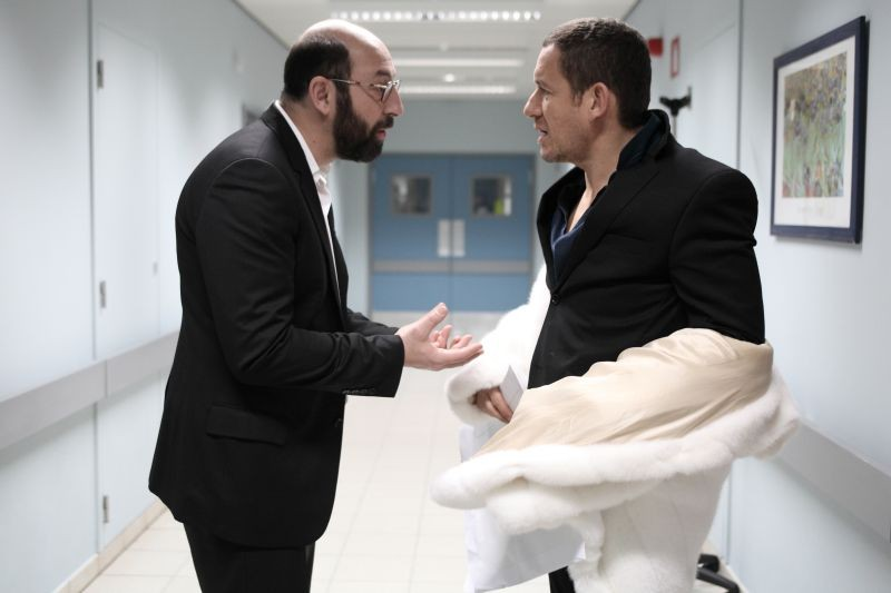 Supercondriaco - Ridere fa bene alla salute: Dany Boon con Kad Merad (nei panni del medico curante) in una scena
