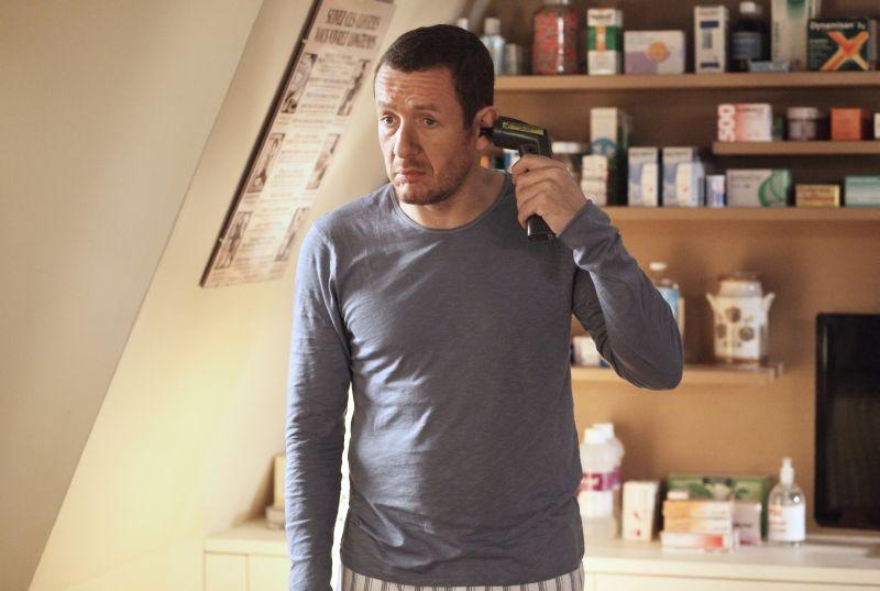 Supercondriaco - Ridere fa bene alla salute: Dany Boon misura il suo udito in una scena del film