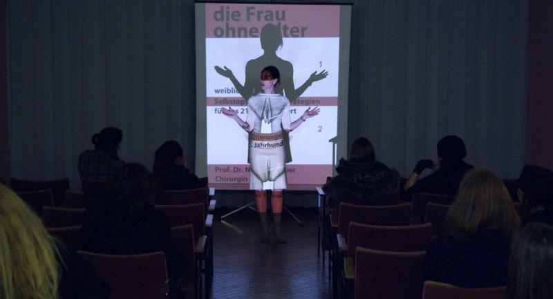 Top Girl oder La déformation professionelle: Nina Kronjäger in una scena del film
