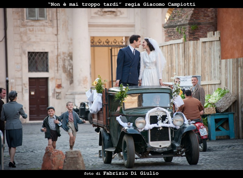 Claudio Santamaria e Nicole Grimaudo nella fiction Non è mai troppo tardi