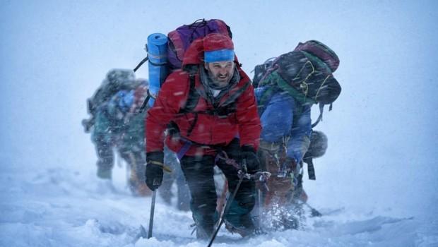 Everest: Jason Clarke nella prima immagine in Nepal