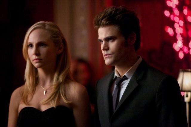 The Vampire Diaries: Paul Wesley e Candice Accola in una scena dell'episodio Total Eclipse of the Heart