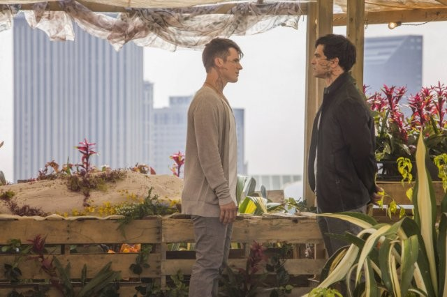 Star-Crossed: Johnathon Schaech e Matt Lanter in una scena dell'episodio These Violent Delights Have Violent Ends