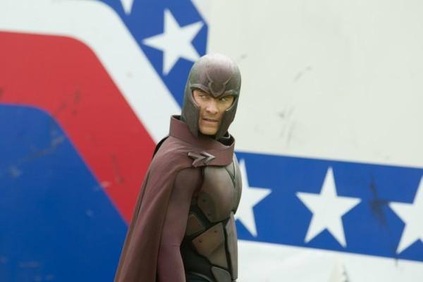 X-Men: Giorni di un futuro passato: Michael Fassbender con il costume di Magneto