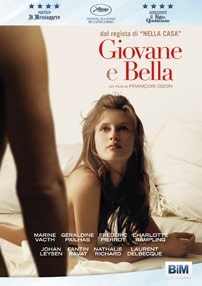 La copertina di Giovane e bella (dvd)