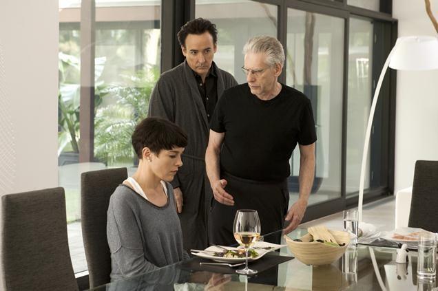 Maps to the stars: John Cusack sul set del film con David Cronenberg e Olivia Williams