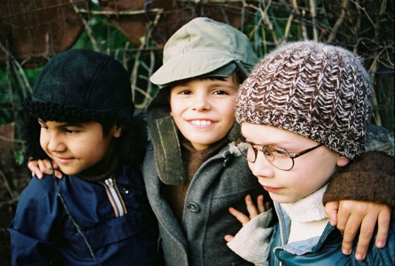 Marius Stan (Tarzan), Timotei Duma (Lalalilu), Marian Stoica (Silvica)
