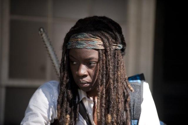 The Walking Dead: un primo piano di Danai Gurira nell'episodio Salvare il mondo