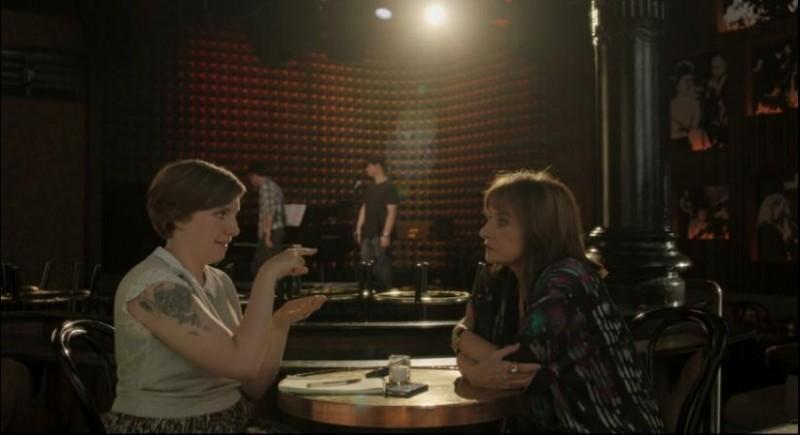 Girls: Lena Dunham e Patti LuPone in una scena dell'episodio Incidentals