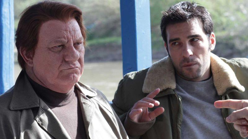 La mossa del pinguino: Antonello Fassari insiem a Edoardo Leo in una scena del film diretto da Claudio Amendola