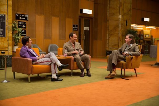 The Grand Budapest Hotel: Wes Anderson sul set con Jason Schwartzman e Jude Law