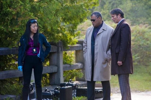 Hannibal: Hettienne Park, Laurence Fishburne e Mads Mikkelsen nell'episodio Kaiseki