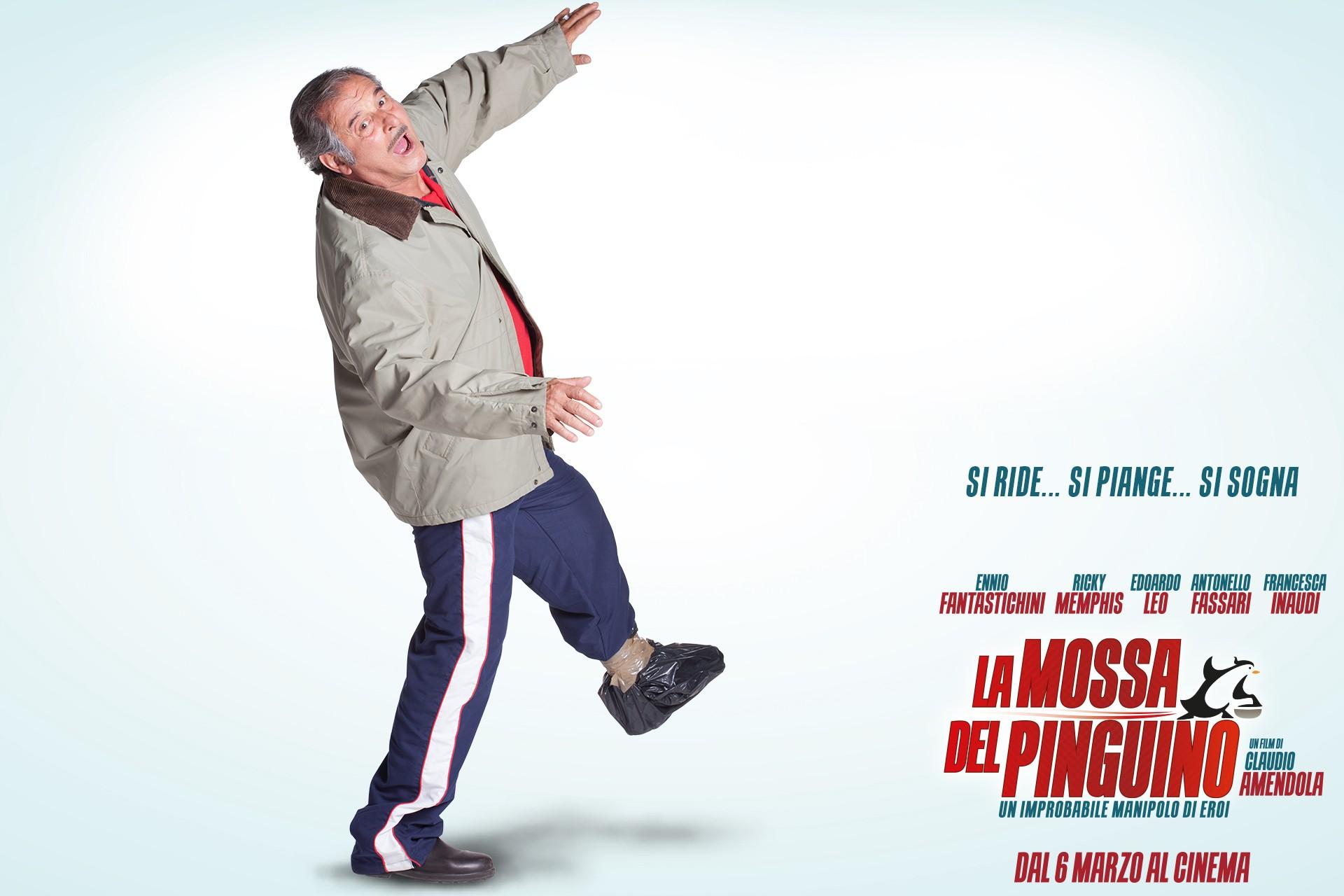La mossa del pinguino: Ennio Fantastichini nel character wallpaper di Ottavio