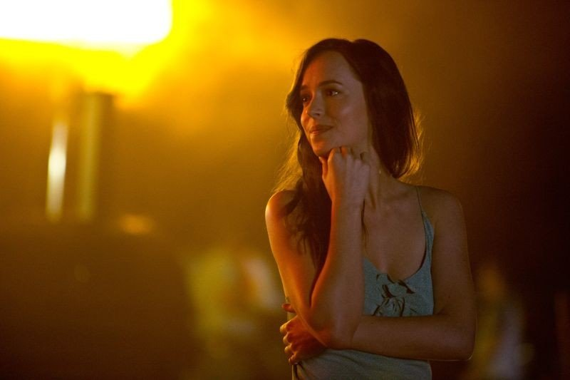 Need for Speed: Dakota Johnson in una scena del film