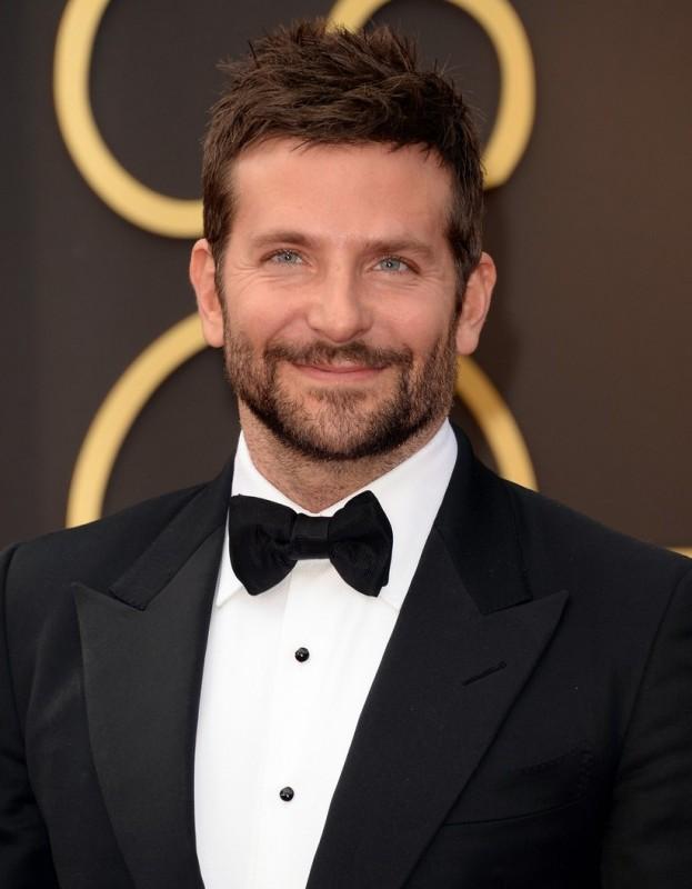 Bradley Cooper sul red carpet degli Oscar 2014