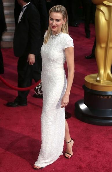 Oscar 2014 - Naomi Watts sul tappeto rosso.