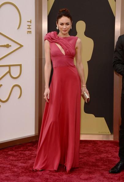 Oscar 2014 - Olga Kurylenko sul red carpet.