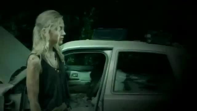 The Walking Dead: Emily Kinney in una tesa sequenza dell'episodio Non tutto è perduto