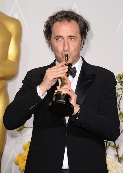 Paolo Sorrentino con l'Oscar vinto per La grande bellezza