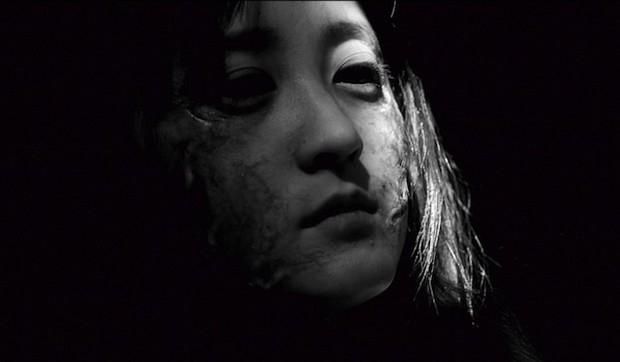 Miss Zombie: un primo piano di Ayaka Komatsu in versione zombie