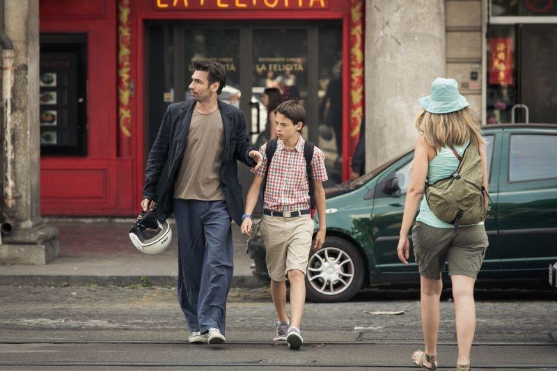Noi 4: Fabrizio Gifuni con Francesco Bracci in un'immagine del film